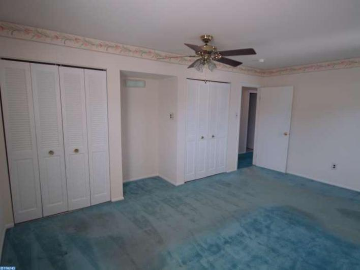 DIY home projects, DIY home decorating, DIY master bedroom before